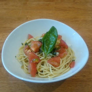 トマトとバジルの冷製パスタ(FLORIAN)