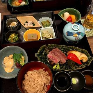 茶寿膳(GREEN TEA RESTAURANT 1899 OCHANOMIZU (グリーン ティー レストラン イチハチキュウキュウ))