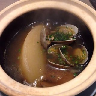 聖護院大根とアサリのXO醤スープ煮(GRIS)