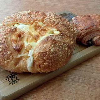 チーズフランス(HEART BREAD ANTIQUE 博多マルイ店)