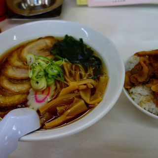 チャーシューメンと焼肉丼のセット(HOTめん花 (ほっとめんはな))