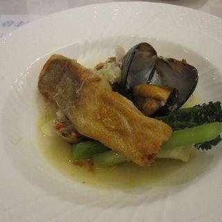 越前産鮮魚のムニエル 特大ムール貝とあさり せいこ蟹のスープ仕立て(iL bosco(イル・ボスコ))