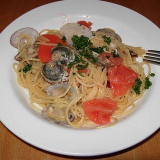 新鮮トマトのボンゴレ(Italian Kitchen BUONO (イタリアンキッチン ブォーノ))