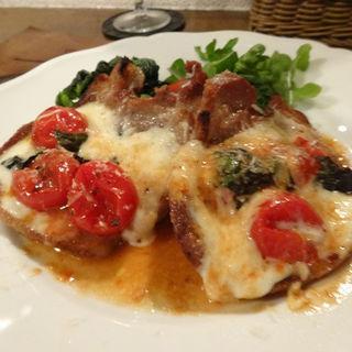 ピーチポークと水牛のモッツァレラチーズの窯焼き(La Cucina Italiana Appetito)