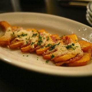 バターナッツとサラミのグラタン仕立て(LOVAT)