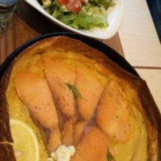 クリームチーズサーモンパンネクック(MIZUcafé PRODUCED BY Cleansui (ミズカフェ プロデュース バイ クリンスイ))