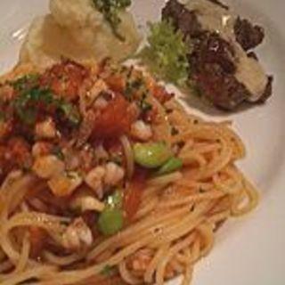 トマトソースのパスタと牛肉のロース(Passetto パセット)