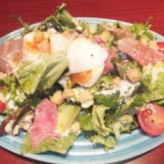 生ハムと半熟卵のシーザーサラダ(Pecori (ペコリ))