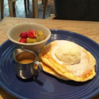 RHパンケーキ スイーツ (RHC CAFE みなとみらい店 (アールエイチシーカフェ))