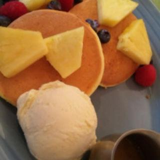 RHパンケーキ スイーツ(RHC CAFE みなとみらい店 (アールエイチシーカフェ))