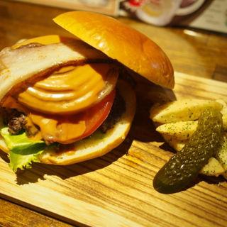 ハンバーガー(フラポ付き) ベーコン、チーズ追加(ROCK RIVER BAR&GRILL BURGER CHOP)