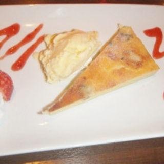 4種チーズのクワトロ ベイクドチーズケーキ(SAIKA 銀座店 (サイカ))