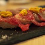 肉寿司(薪と炭の炙り焼き キッチンひろ)