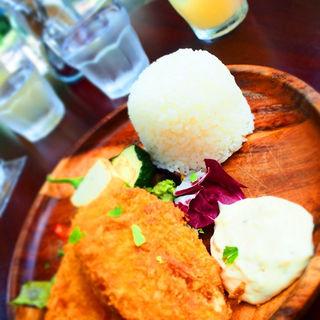 エビカツと彩り野菜のSuperフライ タルタルソース添え(SUPER Me )