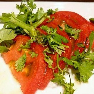 トマトサラダ(THAIFOOD DINING&BAR マイペンライ )