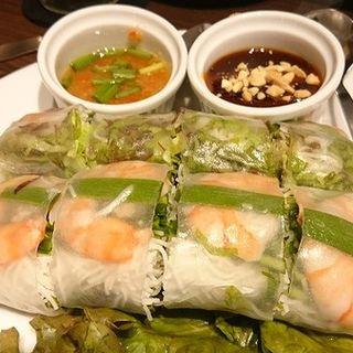 生春巻き(ポッピア・ソッ) 2本セット特製ソース&スパイシーソース(THAIFOOD DINING&BAR マイペンライ )