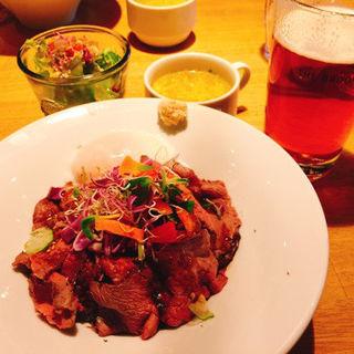 ローストビーフ丼(THE BROOKLYN CAFÉ テレビ塔店 (ザ ブルックリンカフェ))