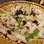 桜山豚と白菜・九条ねぎのざる蒸し