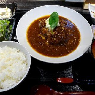 ランチ カプリ風煮込みハンバーグ(あおき )