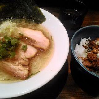 塩ラーメンと叉焼丼のランチセット(あす流 (あすりゅう))
