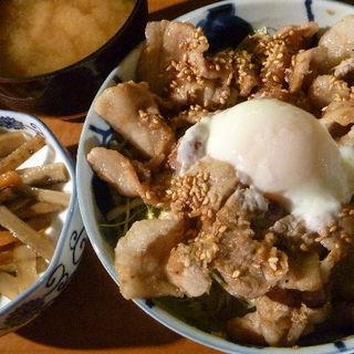 トロ玉豚丼セット(あっとほ~む )