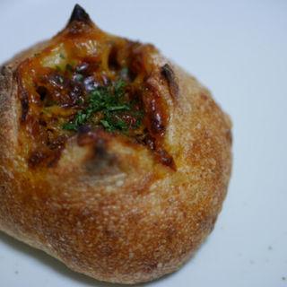 チーズカレーパン(アドゥマン (Ademain))