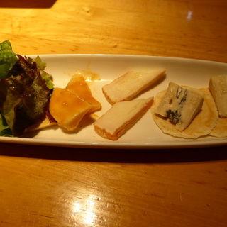 チーズの盛り合わせ(アトリエ・ド・フロマージュ 軽井沢売店 (Atelier de Fromage))