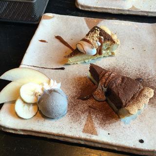本日のcake 2種ハーフ+アイス添え
