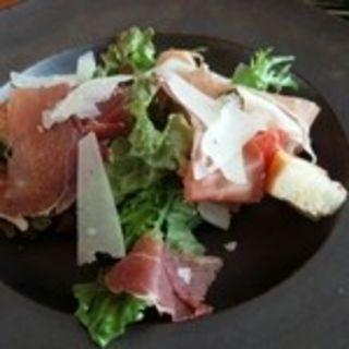 パンツェネッラ イタリヤ風トマトとブレッドのサラダ パルマハム 胡瓜