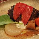 牛頬肉の煮込み 粒マスタードグレイズ トマト ディル コールラビのブレゼ(BeBu (ビブ))