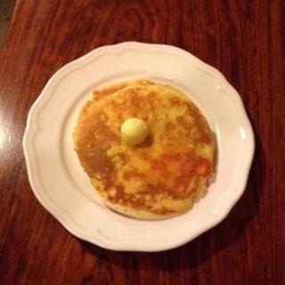 チーズパンケーキ(イリヤプラスカフェ (iriya plus cafe))