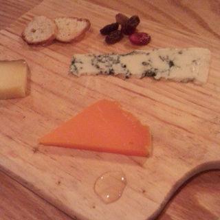 チーズ盛り合わせ(イル ランポ (IL LAMPO))
