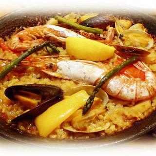 魚介たっぷり地中海風パエリア