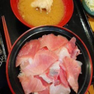 海鮮丼(うお浜 )