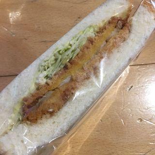チキン南蛮タルタルサンド(伊三郎製パン ベイサイド店)