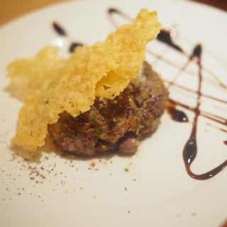 牛の炙りタルタルとこんがりチーズでトルティーヤ(エッセンシャルクッキング (ESSENTIAL COOKING))