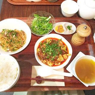 選べるセット(麻婆豆腐と汁なし担々麺)(エッセンス (Chinese Restaurant Essence))