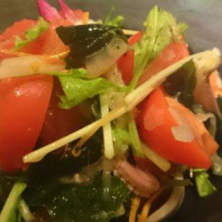 シュガートマトとグレープフルーツとイカのサラダ(えどや )
