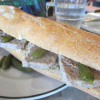 豚のリエットのサンドイッチ(オー バカナル 高輪 (AUX BACCHANALES))