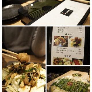 ホルモン鉄板焼き(おおやま 天神店 )
