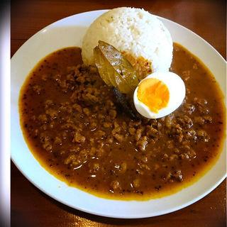 スパイシーラム肉のキーマカレー(オカノカリー (OKANO CURRY))