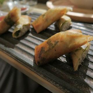 鶏ひき肉の揚春巻 スイートチリソースで(おだいどこ ブルーキャット (odaidoko Blue Cat))