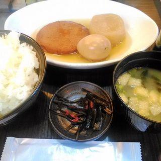 おでん定食3品(ご飯大盛り)(おでんのうえだ )