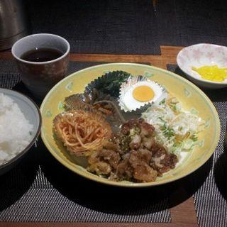 おまかせ定食(豚肉のネギ塩ダレ焼き)(お好み焼き・まいど)