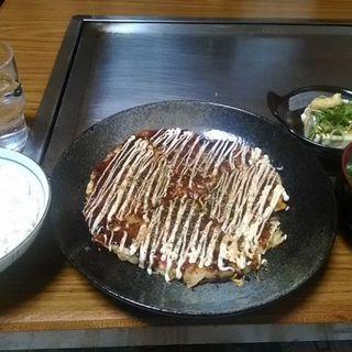 お好み焼き定食(お好み鉄板焼き なかい)