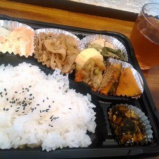 豚バラ焼き肉の日替り弁当(お惣菜きらら)