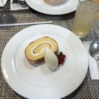 ロールケーキ(ガーデンカフェ )