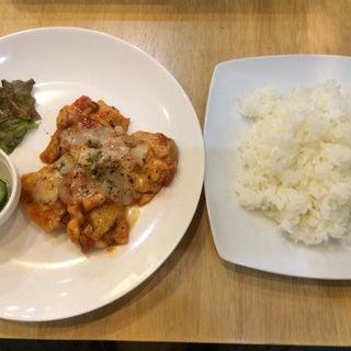 きのことチキンのトマト煮込み定食(カオリカン (KAORIKAN))