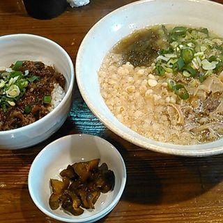 かすうどん+ミニどて丼(かすうどん てっちゃん )