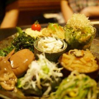 前菜の盛り合わせ(かちがらす 福島店 )